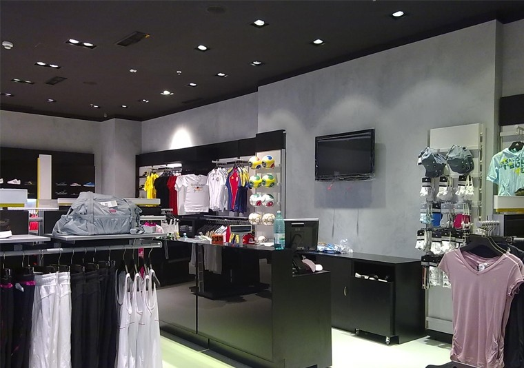 EN Amenajare  Adidas in Atrium Mall Arad